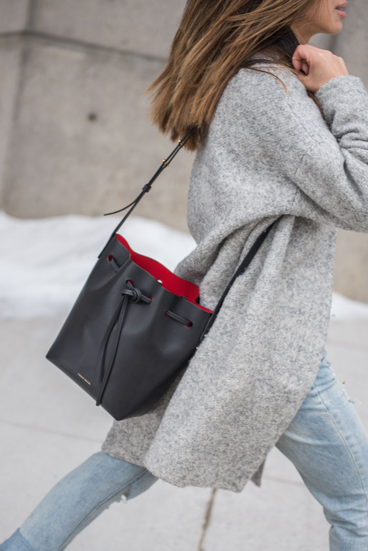 Bucket Bag Outfit Ideas That Every Fashionista Must Try