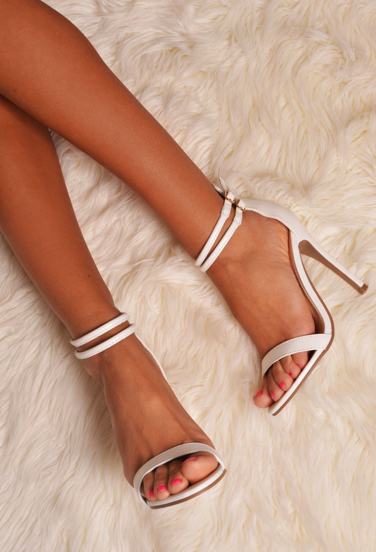 32 CUTE HOMECOMING SHOES TO LOOK PRETTY
