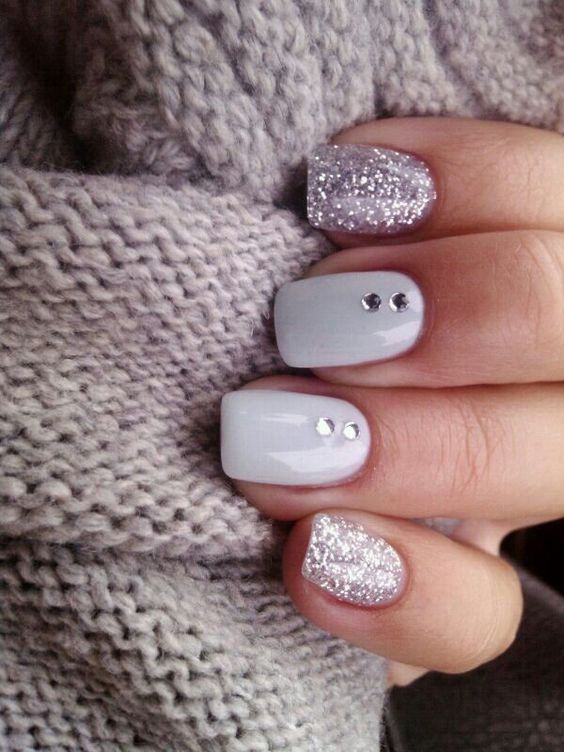 PERFECT WINTER NAILS FOR THE HOLIDAY SEASON AND MORE