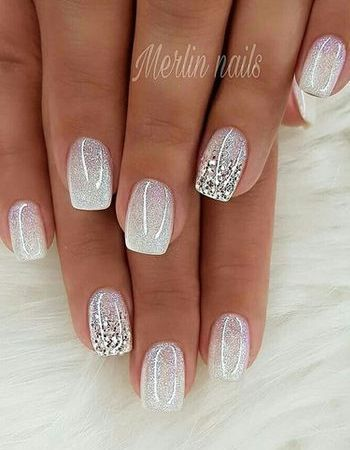 37 perfect winter nails for the holiday season  eazy glam