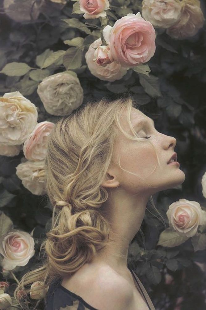 PORTRAITS OF MOST BEAUTIFUL WOMEN WITH FLOWERS