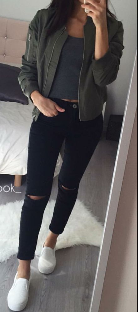 STYLISH OUTFIT IDEAS WITH BLACK JEANS