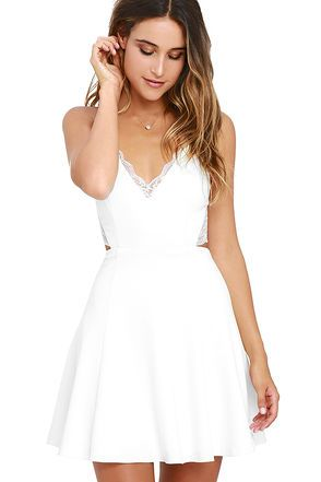 WHITE GRADUATION DRESSES DESIGNS FOR STYLISH BABES