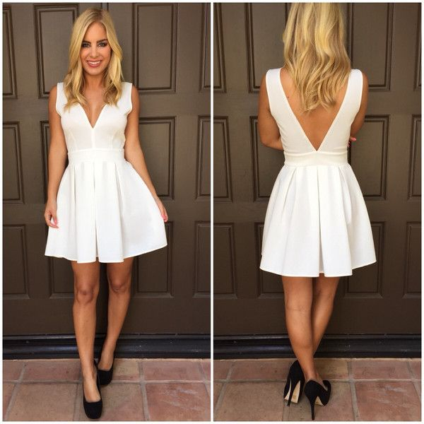 30 White Graduation Dresses Designs for Stylish Babes
