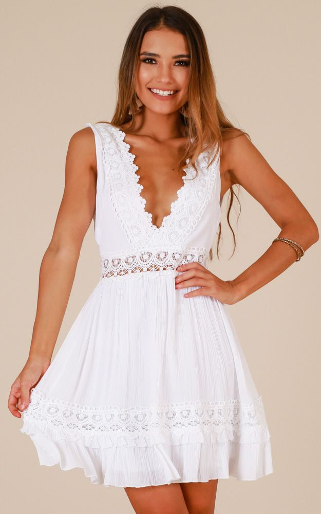 Graduation Dress Looks To Get Your Diploma In