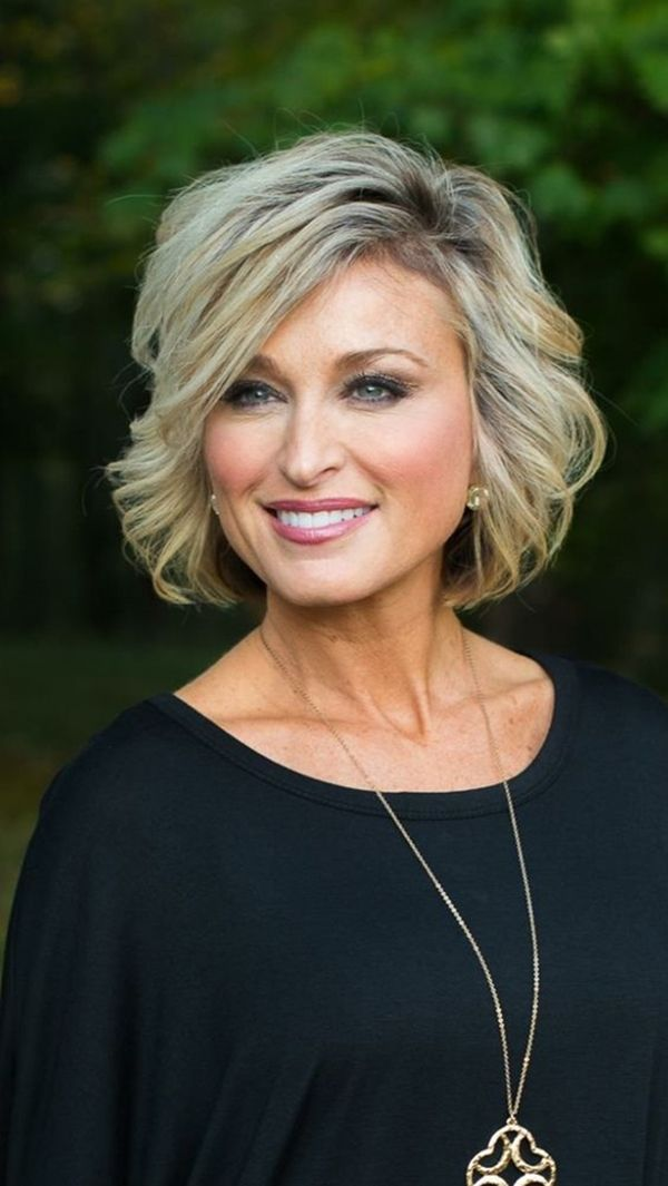 42 Modern Hairstyles For Women Over 50 – Eazy Glam